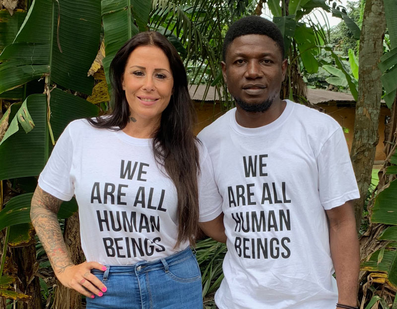 Anja Lovén bor idag med sin mand David i Nigeria. Trods store kriser og en voldsom barndom fulgte hun sin livsdrøm og gør idag en kæmpe forskel for børn i Afrika